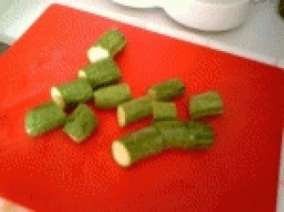 Farfalle con crema di zucchini e gamberi