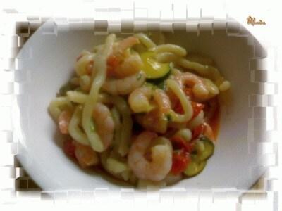 Strozzapreti gamberi e zucchine