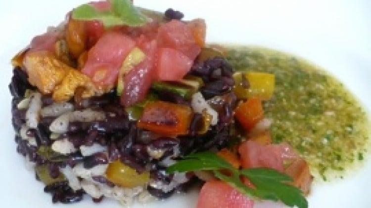 Insalata di doppio riso e salsa di semi
