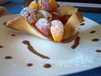 Frutta in cialda croccante di lemone