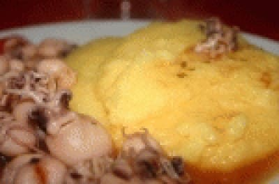 Seppie in umido con polentina