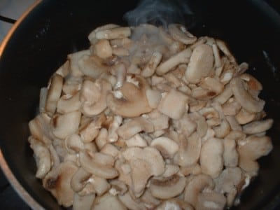 Cosce di pollo alla crema di funghi