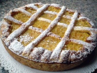 Crostata sfogliata con orzo e arancia candita
