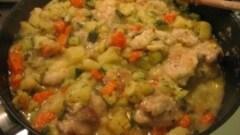 Cosce di pollo con verdurine