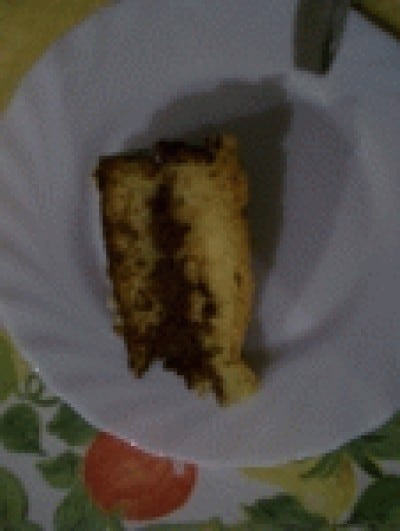 Pan di spagna farcito con crema alle nocciole e cacao