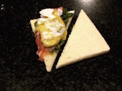Tramezzini asparagi e prosciutto crudo di Parma