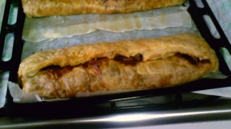 Strudel salato con carciofi e con peperoni