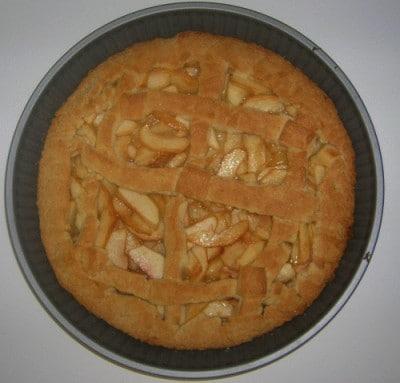 Crostata con frolla brilla e pesche