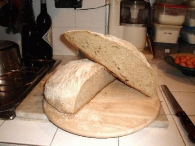 Pane pugliese con aggiunta di lievito madre