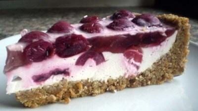 Crostata fredda di ciliegie in gelatina