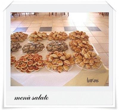 Assortimento di minicroissant salati per buffet
