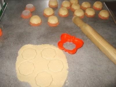 Fiorellini di pasta brisè ripieni