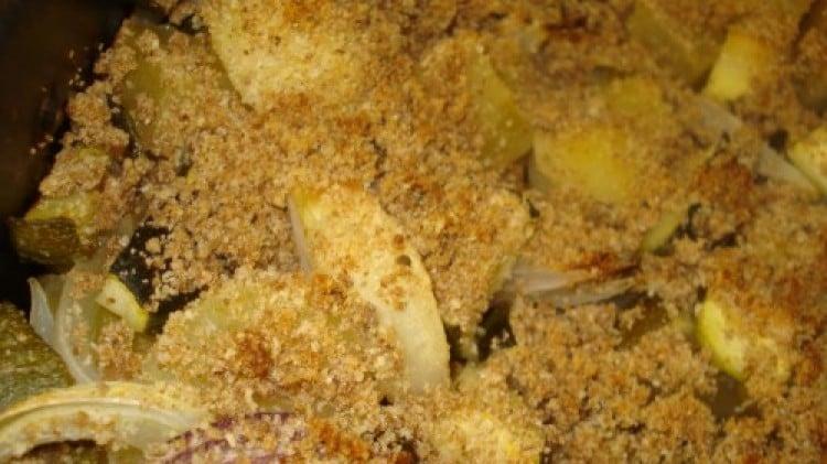 Zucchine, patate e cipolle in crosta saporita