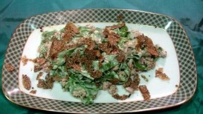 Tagliatelle verdi con salsiccia, panna e tartufo nero