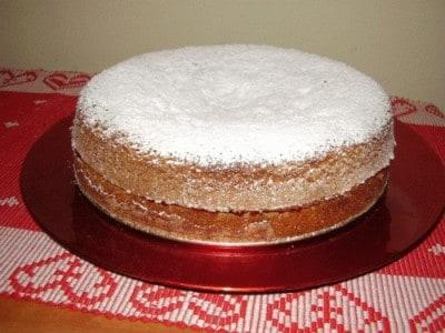 Torta con farina di grano saraceno e marmellata di ribes