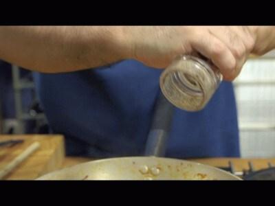 Spaghetti con gamberi, zucchine e pomodorini