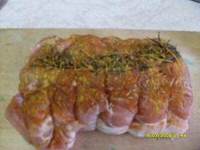 Arista di maiale al forno con piselli e carote