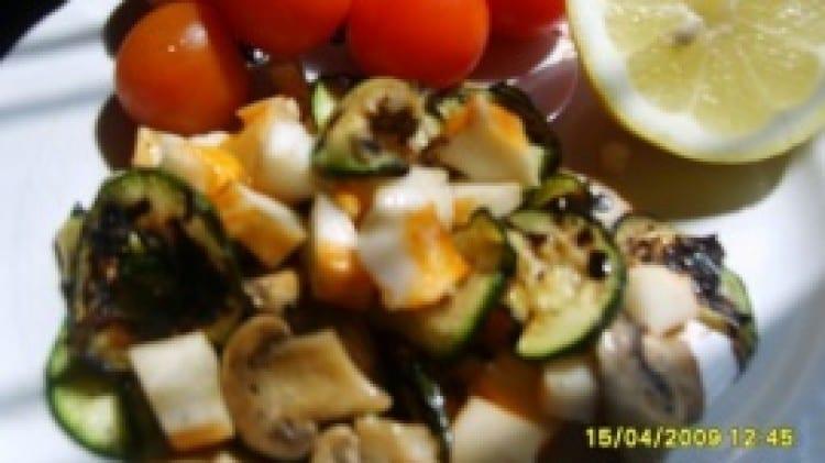 Insalata di polpa di granchio e zucchine