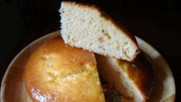 Torta soffice caramellata