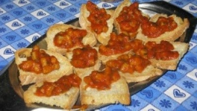 Crostini piccanti ai totani