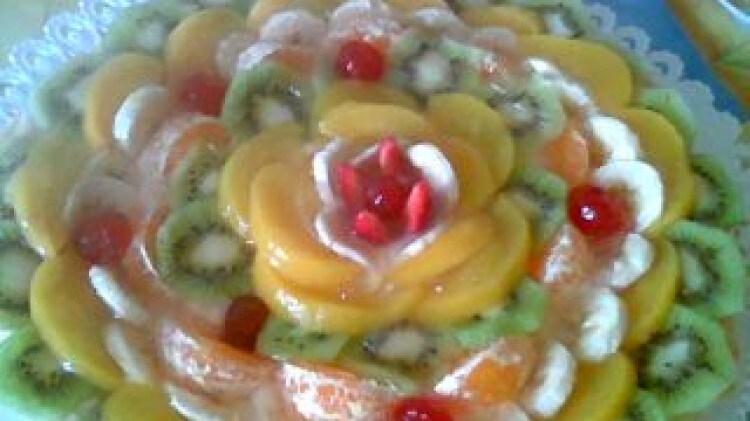Crostata di frutta fresca con crema al melone