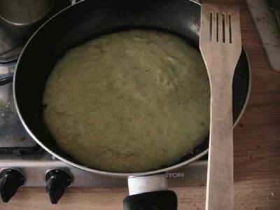 Ravioli di cicoria su passata di zucchine