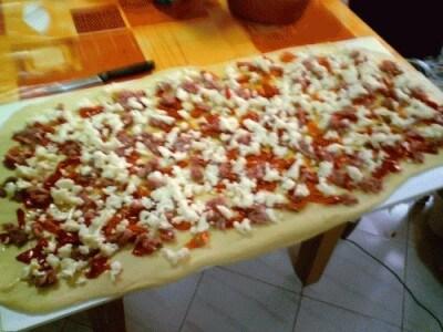 Brioche salata peperoni e salsiccia