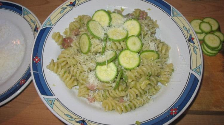 Fusilli zucchine e speck