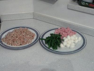 Farro con fagiolini, mozzarella e prosciutto