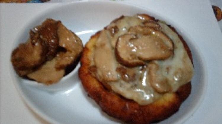 Scodelline di patate ai porcini e gorgonzola