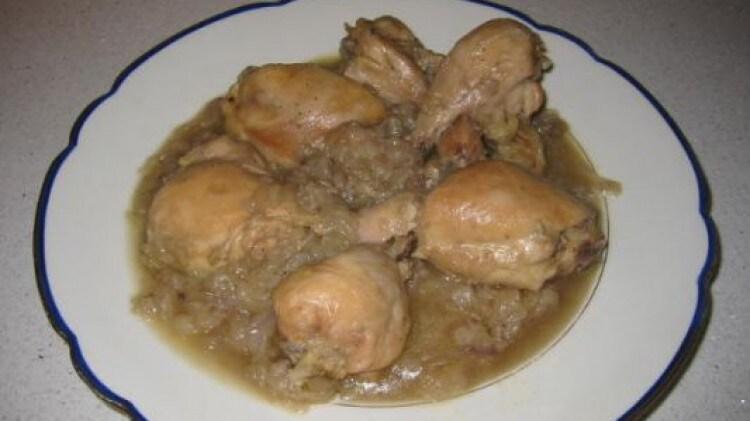 Pollo con birra e cipolle
