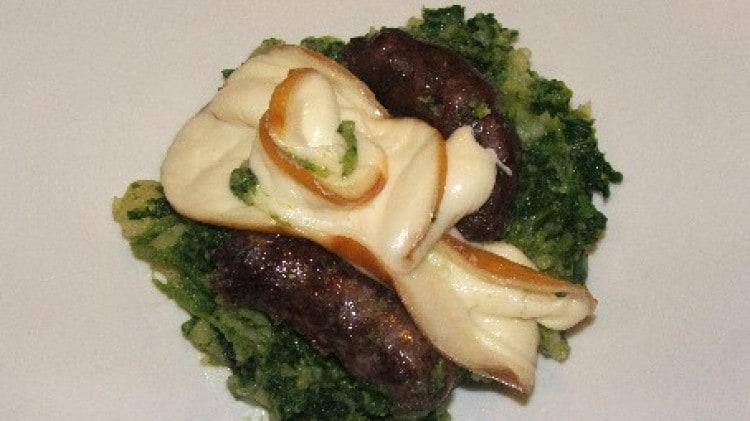 Salsiccia di cinghiale con le cime di rapa