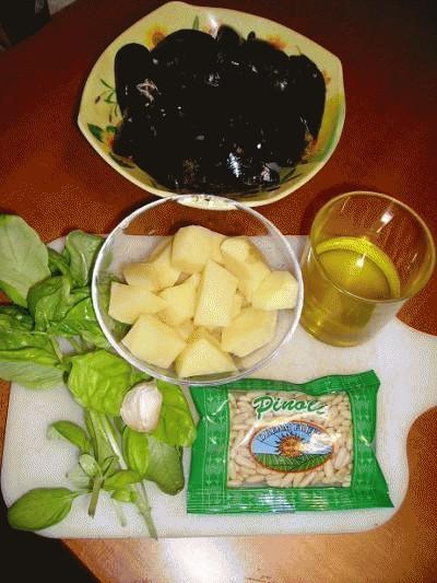 Reginette alle cozze con pesto e patate