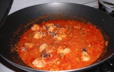 Spaghetti con seppioline ripiene
