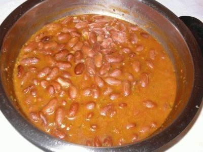 Zuppa con pane raffermo ed umido di fagioli