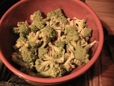 Minestra di broccoli con brodo di razza