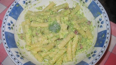 Rigatoni con broccoli uova e salame