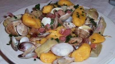 Gnocconi di zucca con lupini, carciofi e pancetta