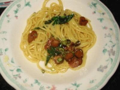 Spaghetti alla bottarga e pistacchio