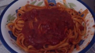 Trenette al peperoncino con sugo di carne e salsiccia piccante