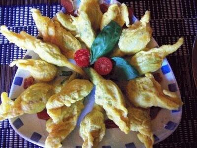 Fiori di zucchina con fontina, acciughe & bottarga