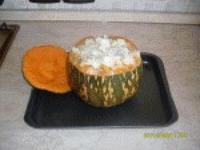 Zucca ripiena di riso filante al forno