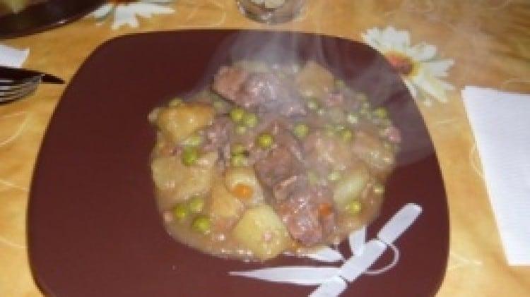 Bocconcini cremosi con piselli e patate