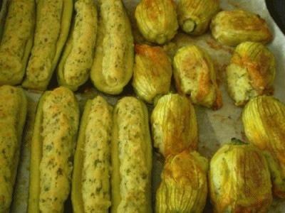 Zucchine e fiori di zucca ripieni di patate