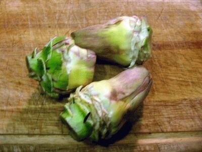 Fagottini ripieni di carciofi su letto di asparagi selvatici: le ...