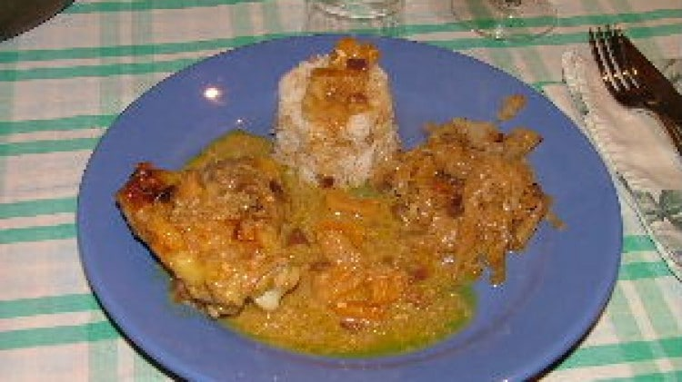 Pollo al curry ed albicocche