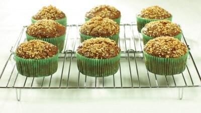 Muffin alle uvette e semi di sesamo