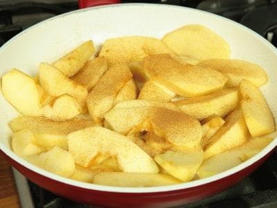 Clafoutis alle mele e cannella