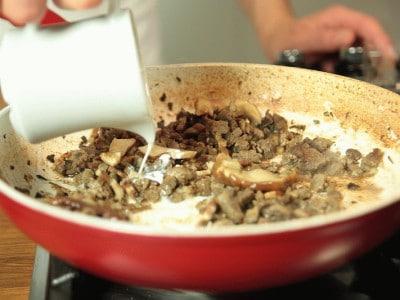 Maltagliati di castagne con cinghiale e porcini