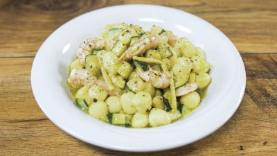 Gnocchi con gamberi e zucchine allo zenzero